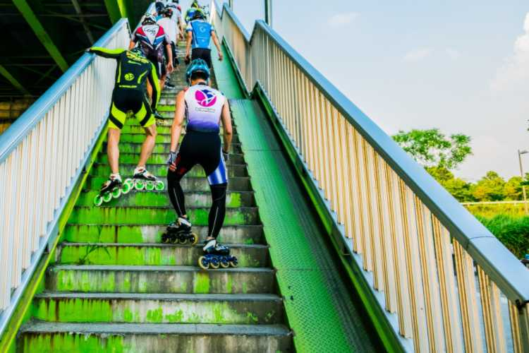 Can You Lose Weight Through Skating? rollerblading vs rollerskating